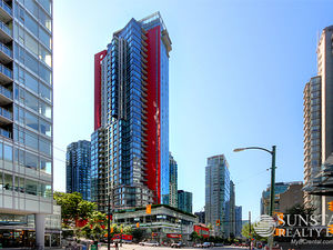 Coal Harbour 1 Bed + Den w/ Balcony & Air Conditioning @ The Ritz