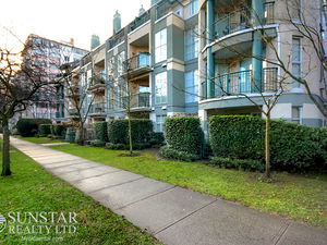 West End Spacious 1 Bed 1 Bath w/ Fireplace & Balcony @ Westpark House