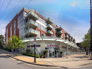 Vancouver Heights 1138sf 2 Bed 2 Bath Penthouse w/ Sundeck @ Mondeo
