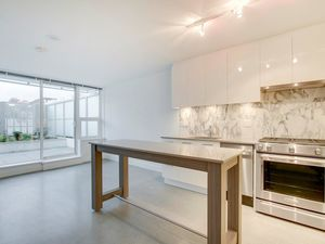 (easyrent.ca) Brand New Chinatown Loft w/ Lrg Private Patio! April 15!