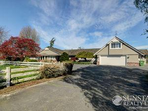 Richmond Charming 4600sf 3 Bed 3 Bath Rural Acreage w/ Yards & Views