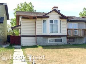 3 Bedroom Duplex for Rent in Falconridge