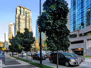 Coal Harbour Furnished 1 Bed + Den by Seawall w/ Views @ Classico (604)
