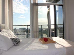 2BR/2BTH/2PKG Executive Penthouse in Central Richmond - 19th floor