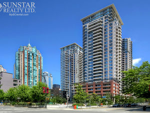 Yaletown 1 Bed + Office 1 Bath Condo w/ Balcony @ Yaletown Park I