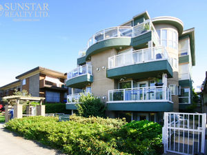 Kits Beach Whole Floor Penthouse w/ Rooftop Deck @ The Cyclades