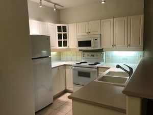 (easyrent.ca) Centrally Located 1 Bd, 1 Bth in Kitsilano! Avail Oct 1!