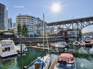 False Creek Furnished Luxury Penthouse w/ Views @ The Admiralty (906)