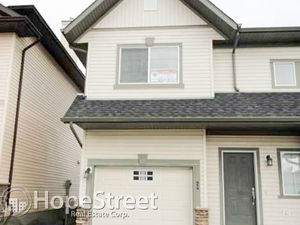 Nice 3 Bedroom Townhouse in RockyRidge
