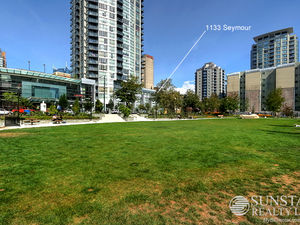 Yaletown 1 Bed + Office 1.5 Bath 2 Level Townhouse @ The Brava!