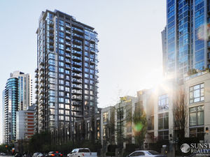 Yaletown 1 Bed 1 Bath Penthouse w/ Balcony & Views @ The Oscar