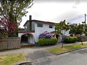 Marpole Fully Renovated 3 Bed 1/2 Duplex w/ Patio & Fenced Yard