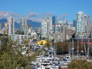 Steps from Granville Is, 2 Bdrm 2 Bath Condo with ocean/mountain view
