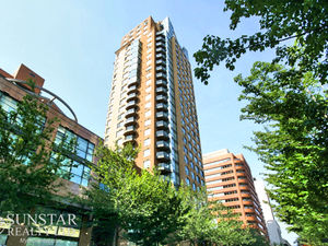 Downtown 1 Bedroom Suite near Robson Square @ The Genesis (2606)