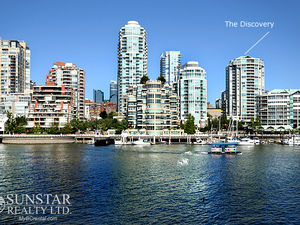 Downtown 1 Bed 1 Bath Condo by Seawall @ The Discovery